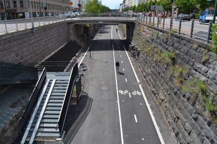 baana2c_a_bicycle_lane_in_the_center_of_helsinki_20120626