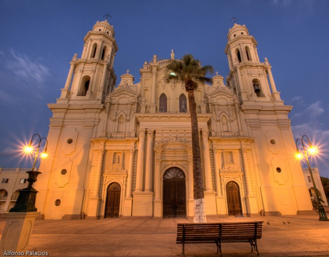 2009-10-10-hermosillo-0484_5_6_tonemapped-l