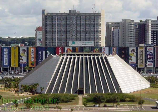 teatro-nacional-fachada-leste