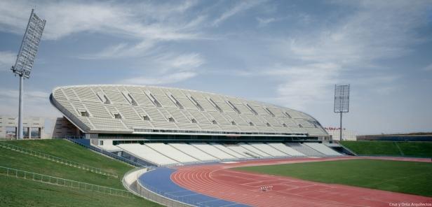 peineta-estadio-atletismo-madrid_design-exterior-graderio_cruz-y-ortiz-arquitectos_dma_29-x-1400x673